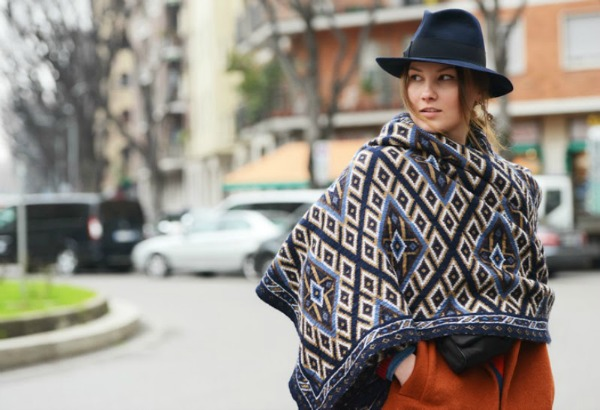 how to wear a blanket scarf like a shawl