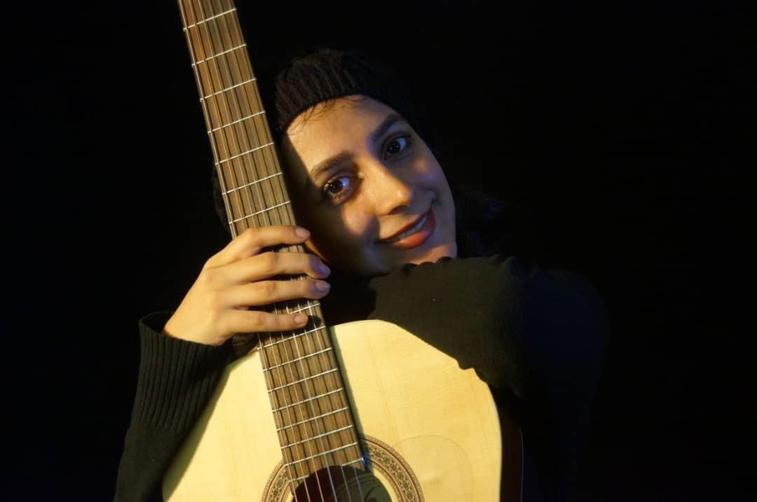 هدی اللهوردی مدرس گیتار کلاسیک و ارف کودکان
