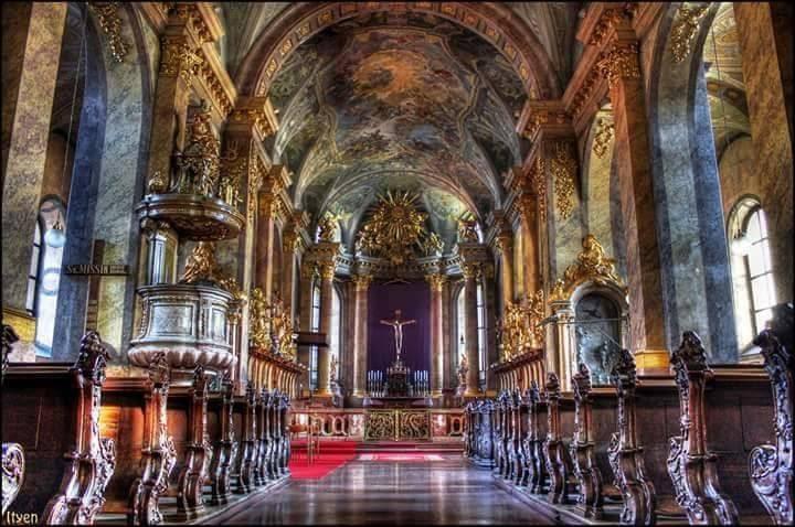 győr bazilika.jpg