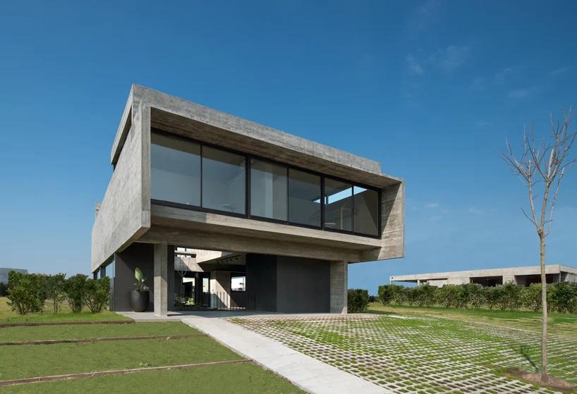 Castanos House