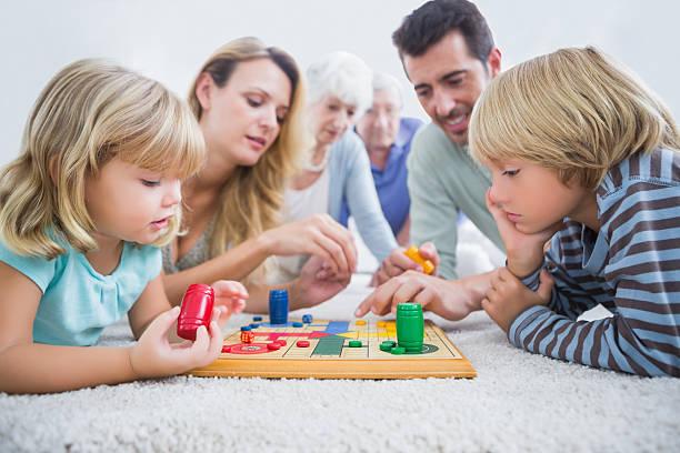 BOARD GAME PHÁT TRIỂN TRÍ TUỆ CHO TRẺ EM NHƯ THẾ NÀO?