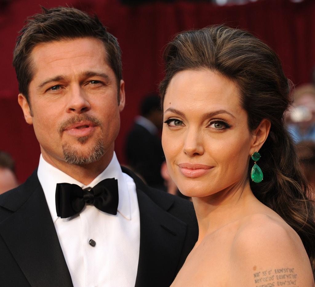 Angelina Jolie and Brad Pitt put divorce on hold - Vogue Australia