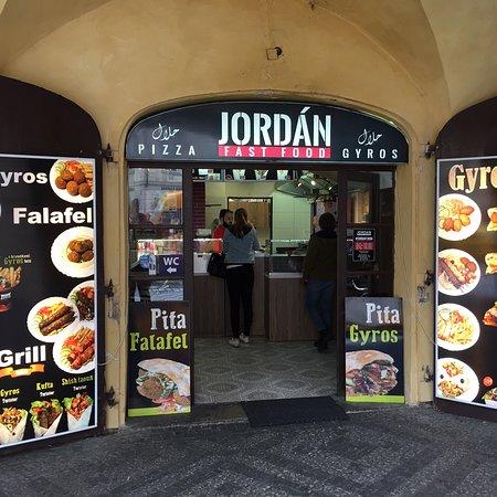 Halal - Halal Pizza Gyros Prague