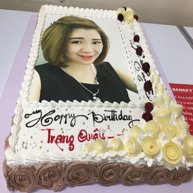 Hãy đến với banhkemsaigon.vn để được nhân viên tư vấn các mẫu bánh kem độc đáo tặng đồng nghiệp