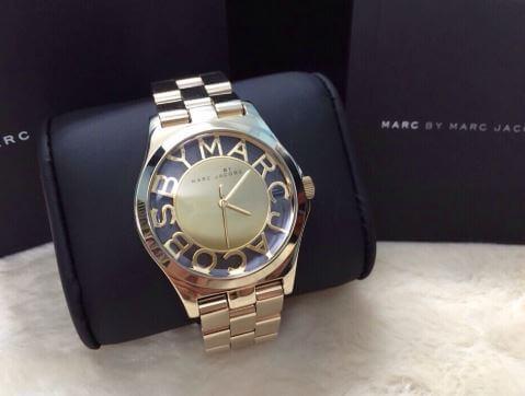 Phân biệt đồng hồ Marc Jacobs thật giả dựa vào dây đeo chính hãng