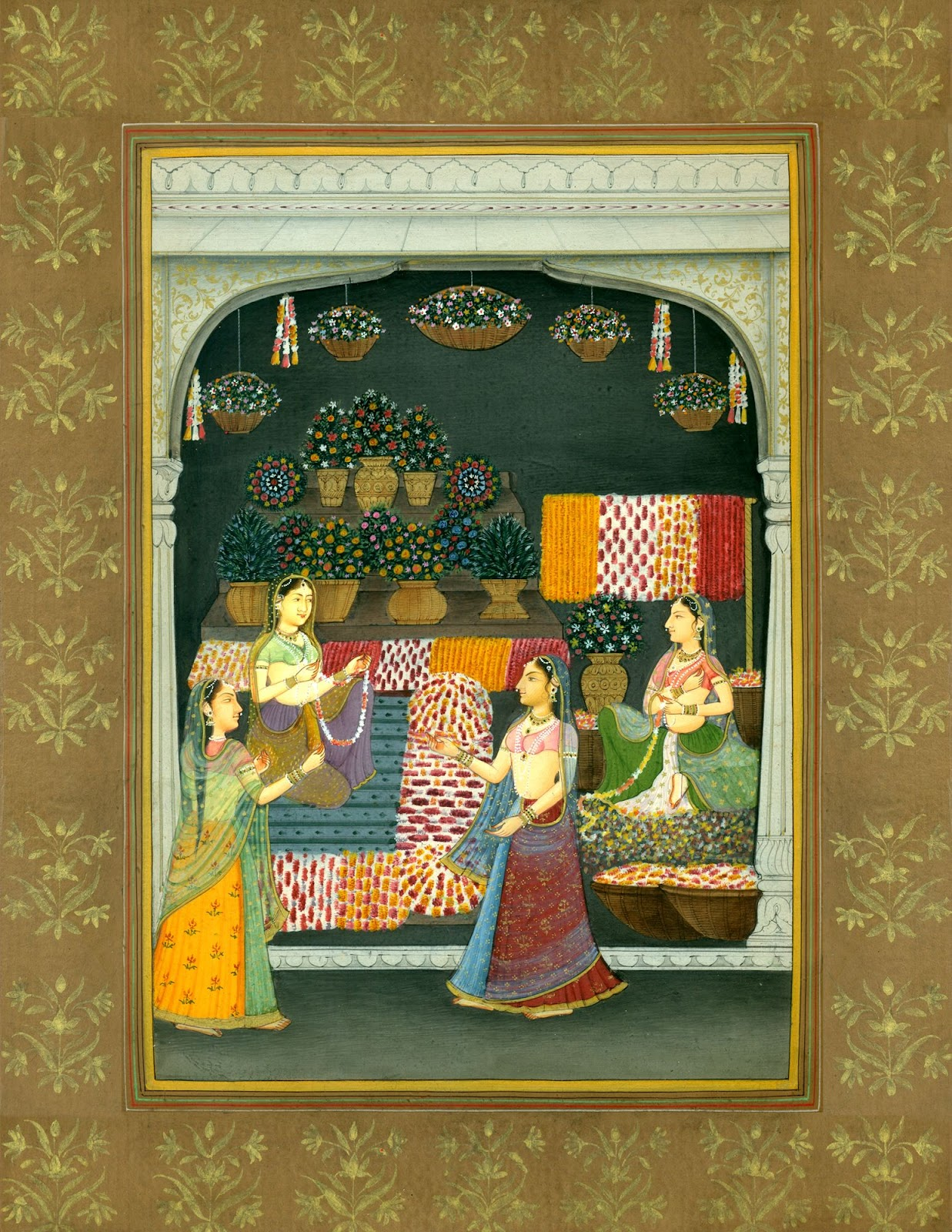 রাজকীয় মিনা বাজারে উপস্থিত নারীরা।