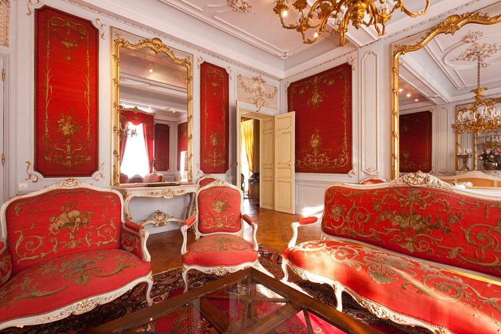 5 màu sắc có đặc tính mạnh mẽ cho nội thất phòng khách