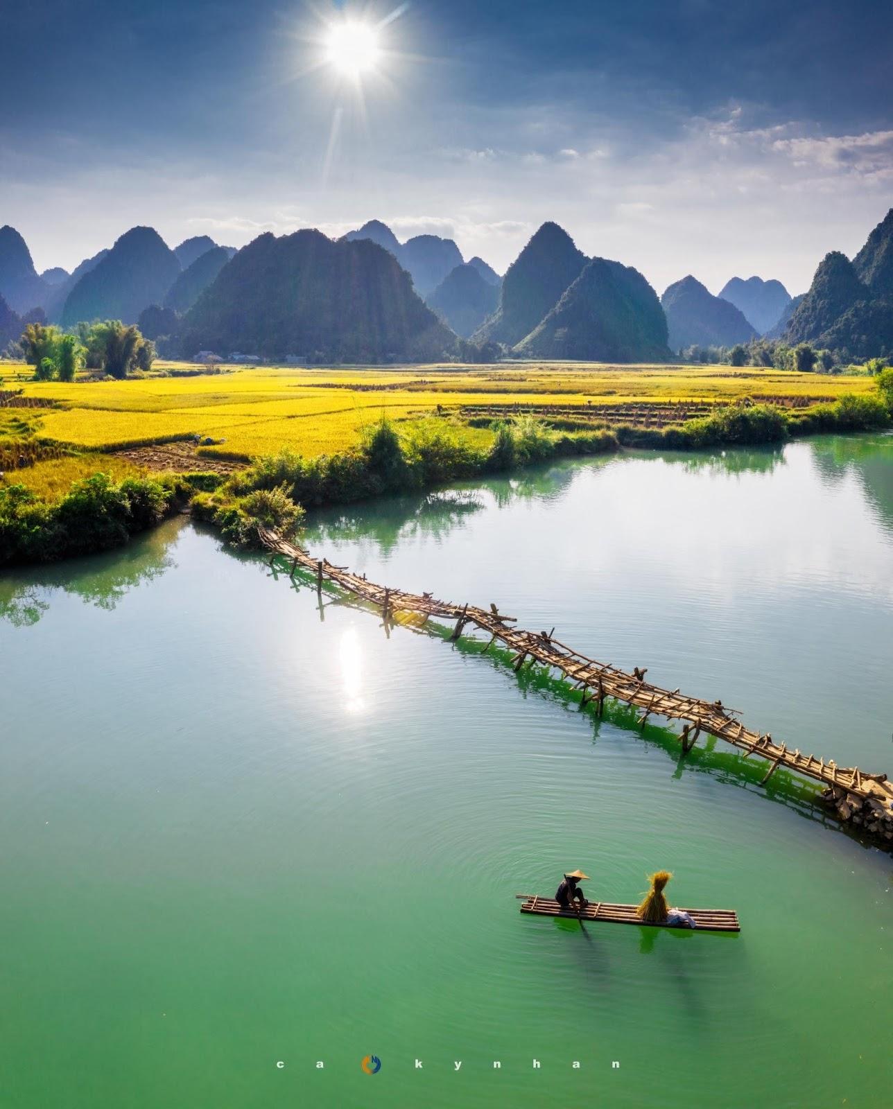 Việt Nam đẹp 'mê hồn' qua ống kính của chàng trai 8x