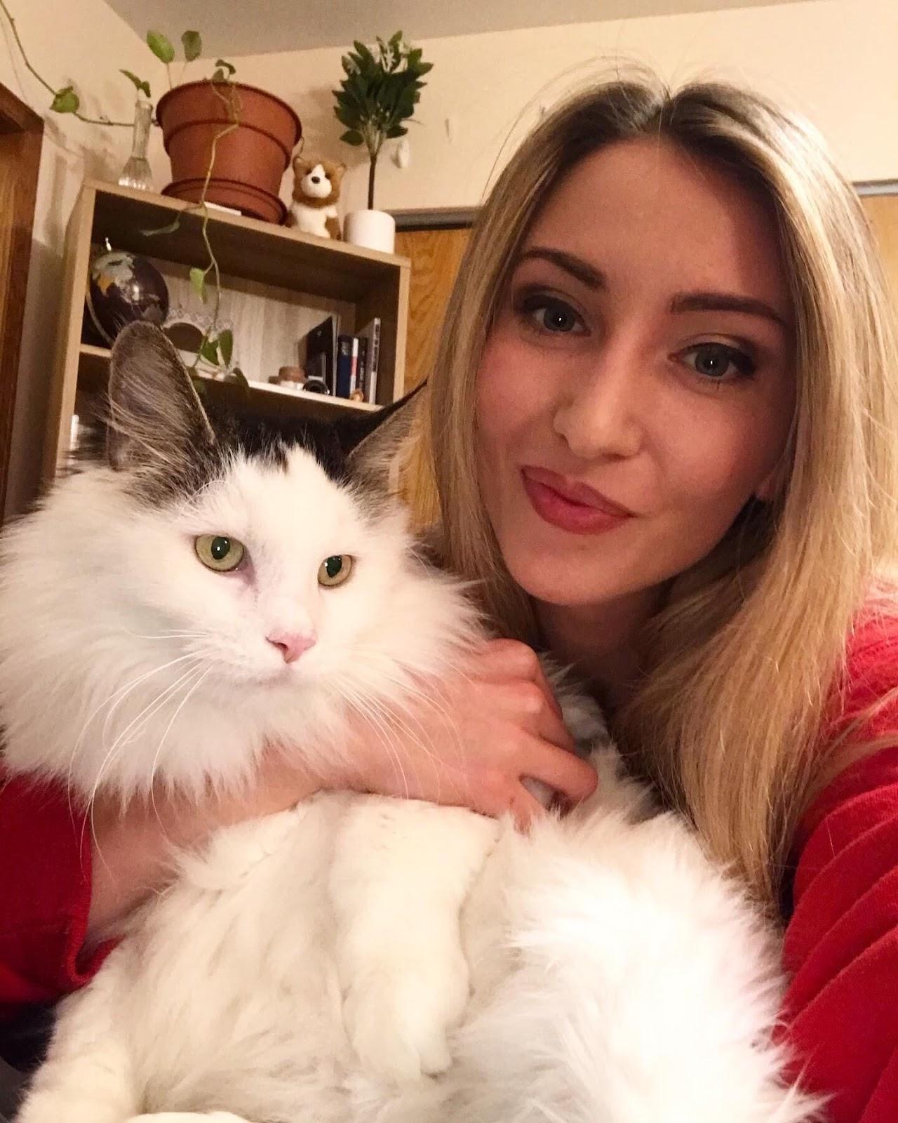 jillian-holding-cat