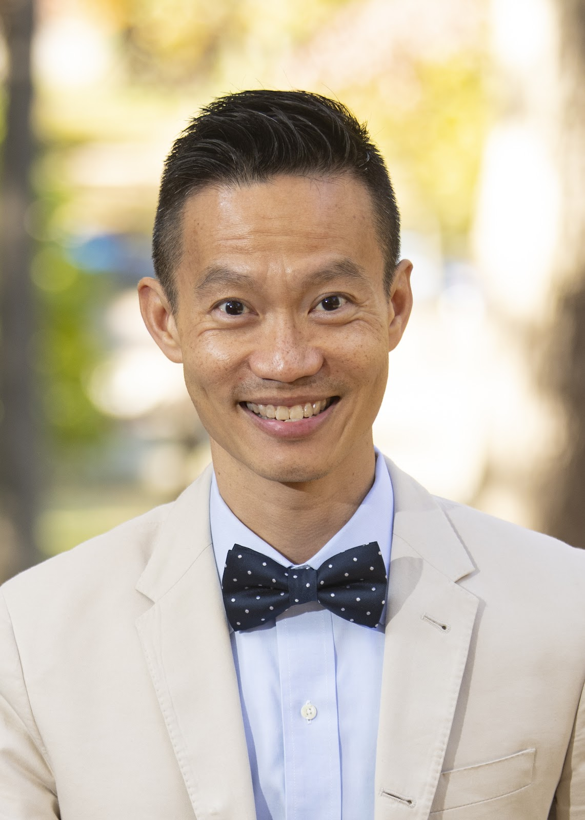 Professor Ng discusses unconscious bias that goes with Canadian experience