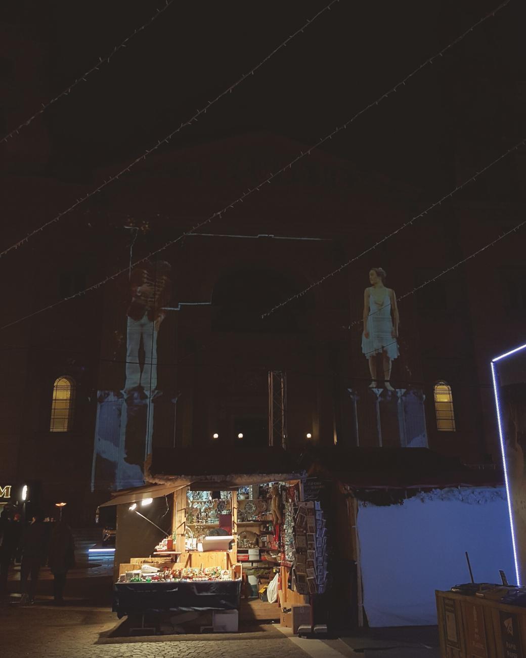 De lichtshow bij de kerstmarkt van de Basiliek is één van de hoogtepunten van de winter in Boedapest.