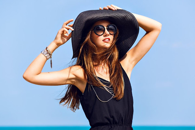 Summer Hair Extensions Care, girl with summer hat, summer hair care