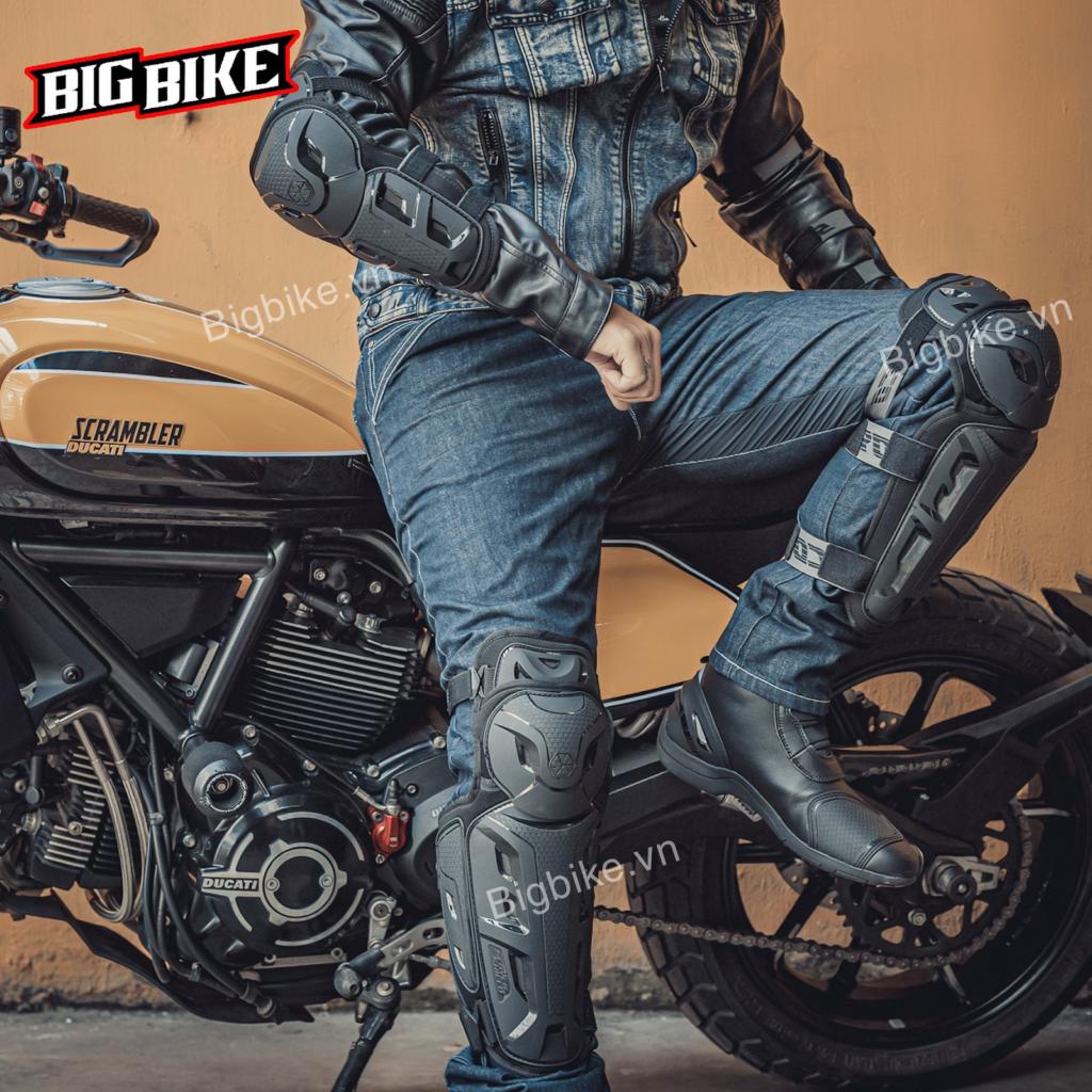 Chia sẻ về quần áo bảo hộ moto một mảnh chất lượng