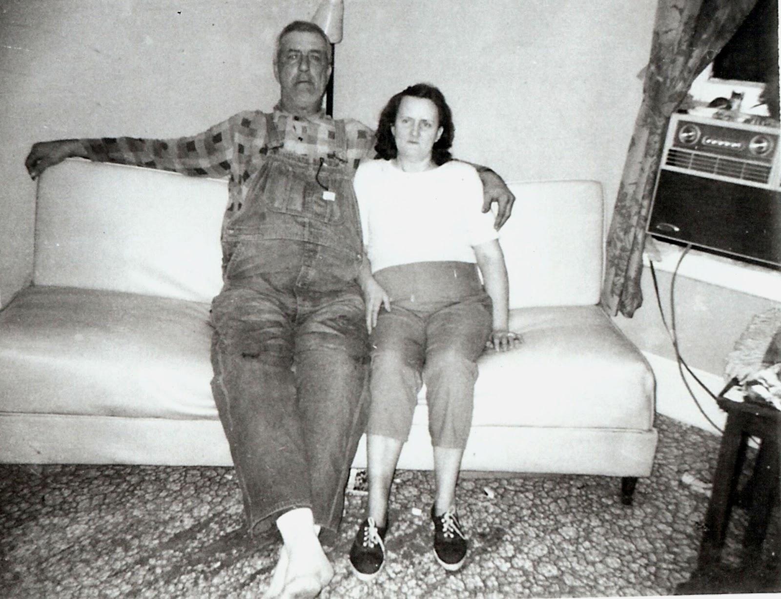 Roy Davis & May Pauline Tate 913 Ely, Hannibal.jpg