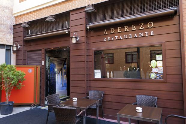 http://files.aderezo-getafe.webnode.es/200000056-0af600bf06/Restaurante%20Aderezo020w.jpg