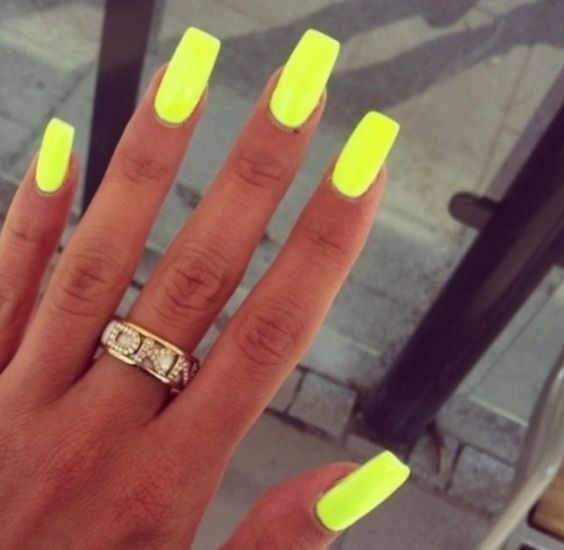 Spring Break Nail Ideas | Her Campus