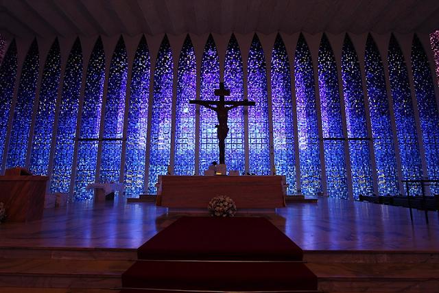 Một số nhà thờ kính màu đẹp nhất thế giới