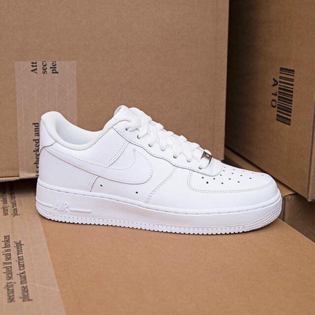 Đôi giày sở hữu phong cách trẻ trung và năng động
