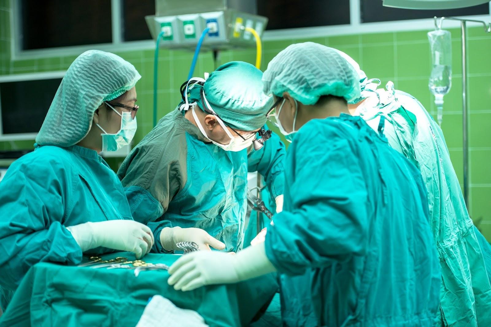 קידום אתרים אורגני וממומן - אם מנתח עושה ניתוח אז משווק צריך לשווק את העסק שלך