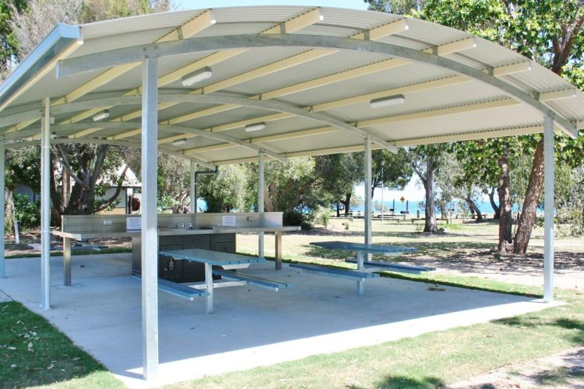 Mái tôn vòm công viên