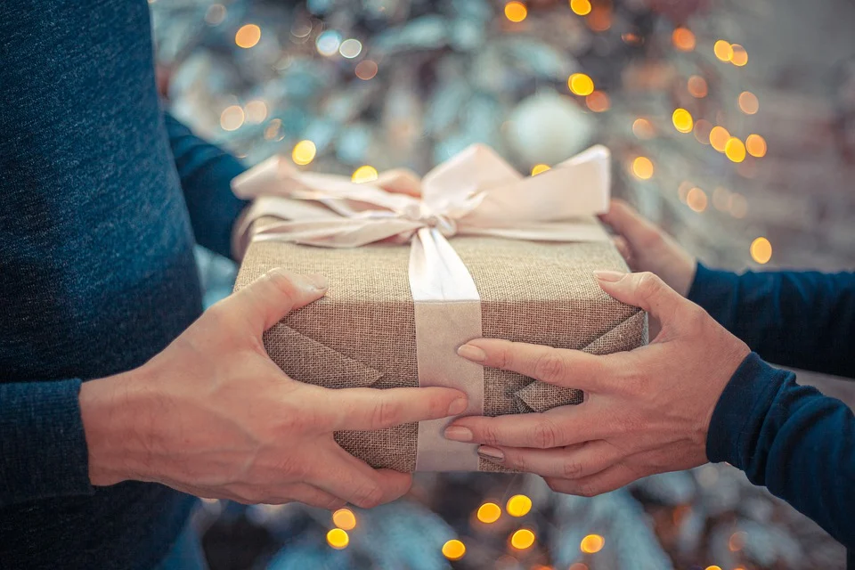 Top 6 Branded Gifts You Can Surprise Your Husband With
