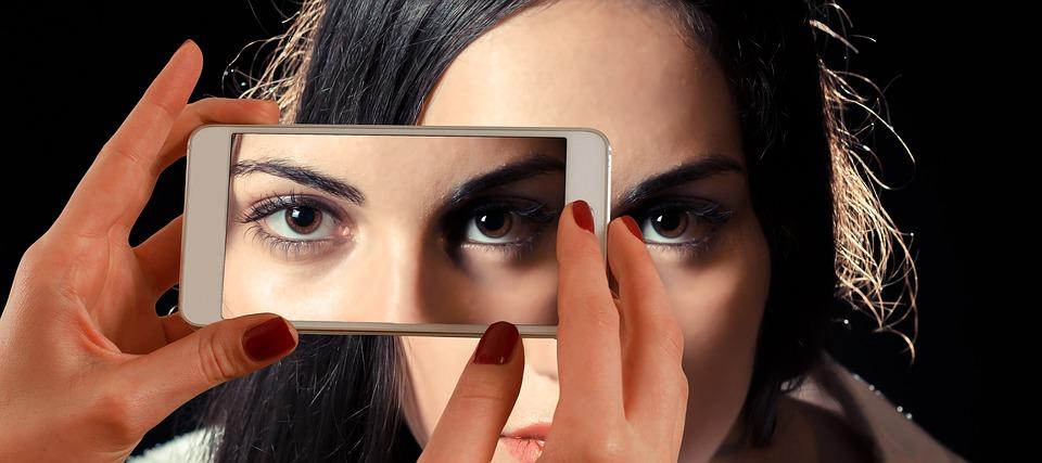 smartphone-1445448_960_720.jpg
