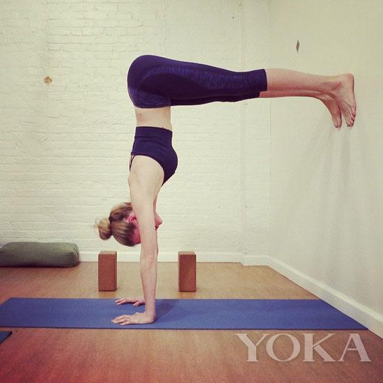 When You Are Eating Spicy Model In Practicing Yoga Body Sweat?