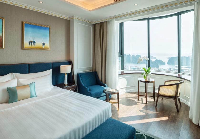 grand suite bay view khách sạn FLC Hạ Long