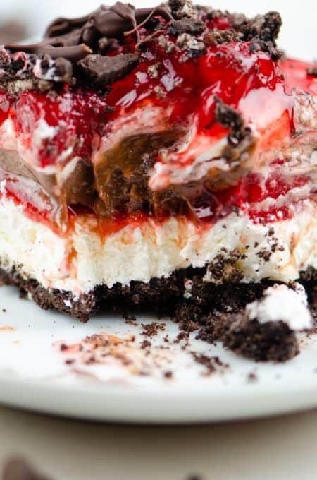 No Bake Chocolate Strawberry Dream Bars