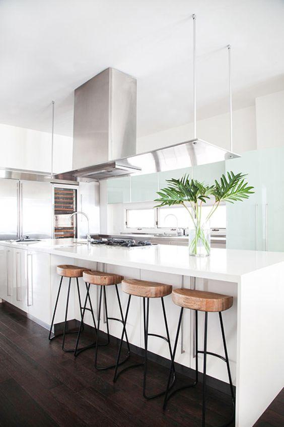 Claves para instalar una cocina con barra americana – Grupo Bertomeu
