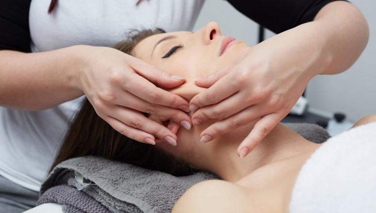 Глубокий массаж лица | Соланж