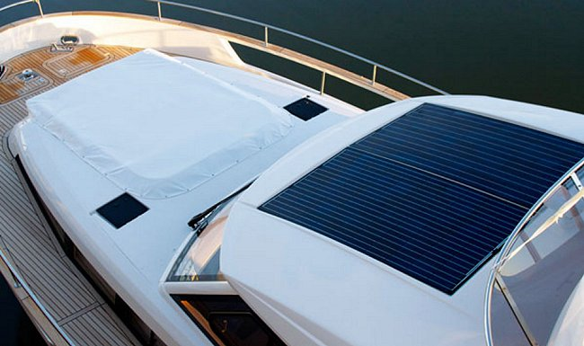 Pannello fotovoltaico su barca