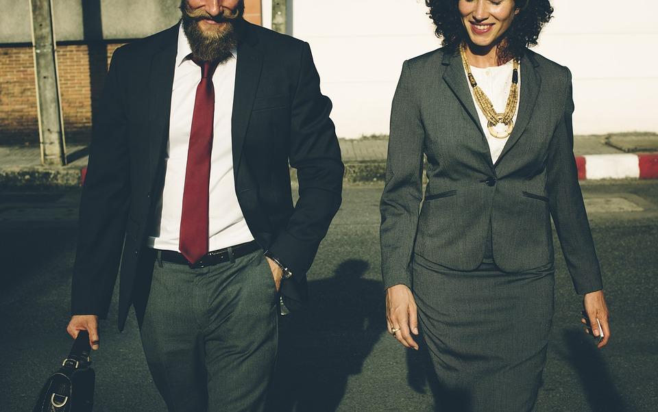 髭, ビジネス, 徒歩, 実業家, 女性実業家, 同僚, 通勤, 接続, 企業, 男, 笑顔, にこやか