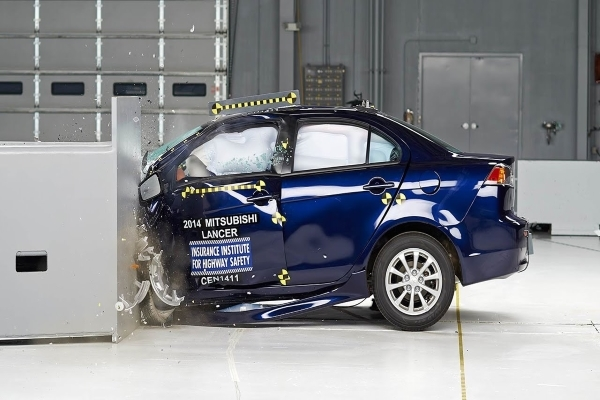 In the Euro NCAP crash tests, the Lancer received four out of five stars for overall crashworthiness.