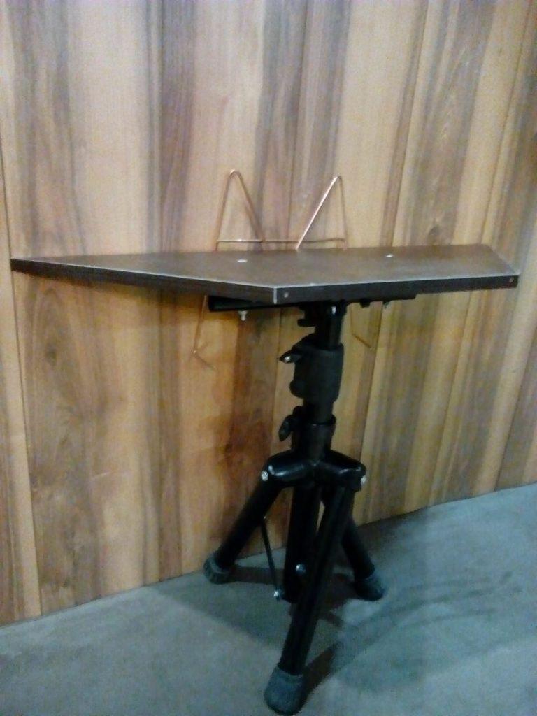میز سنتور و قانون آوا