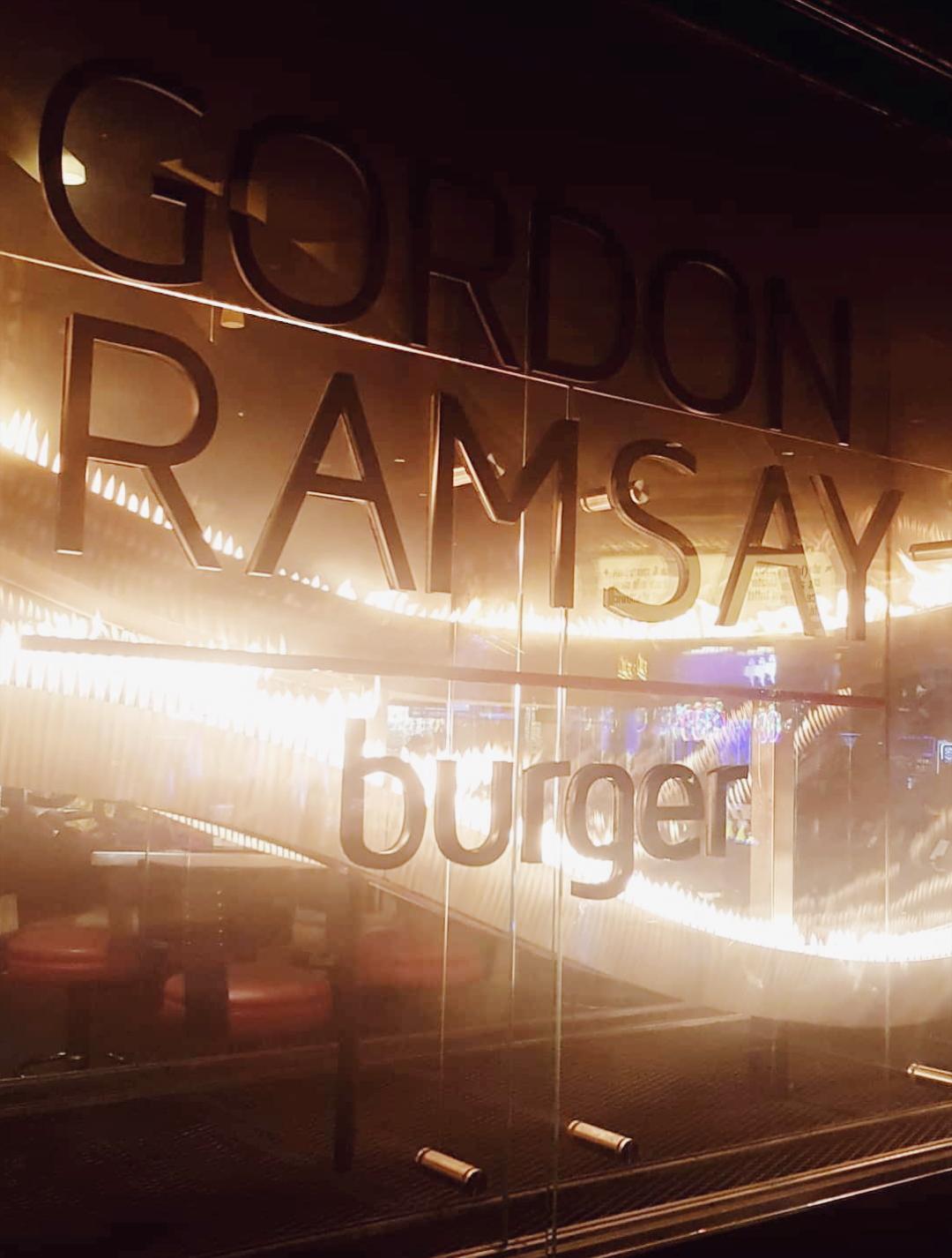 גורדון רמזי המבורגרים ביקורת המלצה מסעדה מסעדות