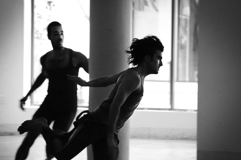 Rashaun Mitchell chasing Silas Reiner