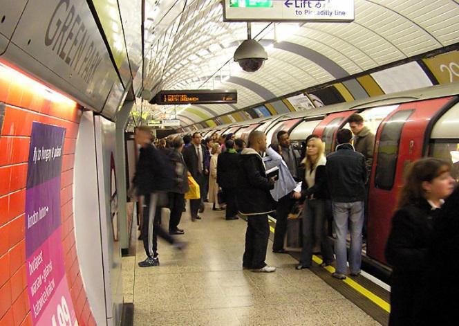 O metrô de Londres contemporâneo.
