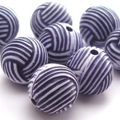 Vintage Plastic White and Navy Yarn Ball Beads
