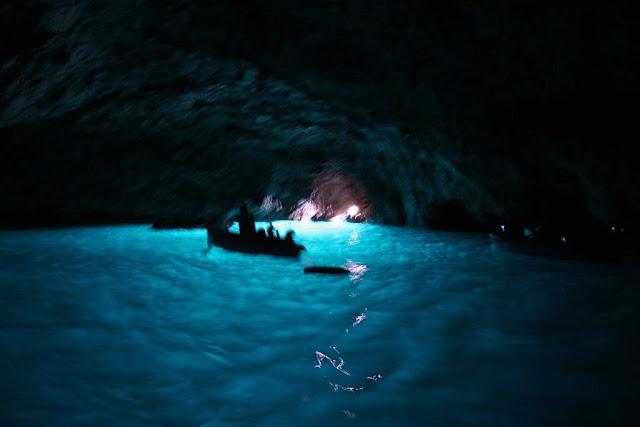 イタリア カプリ島 青の洞窟