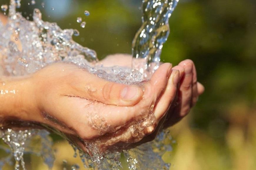 Nguồn nước đảm bảo về chất lượng nguồn nước và dòng chảy