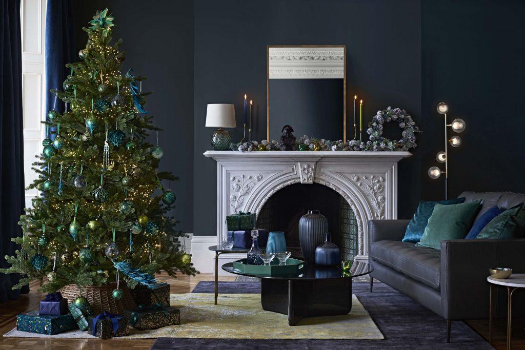 Karácsonyi színek, karácsonyfa díszítés trend 2020-2021 - kék karácsony
