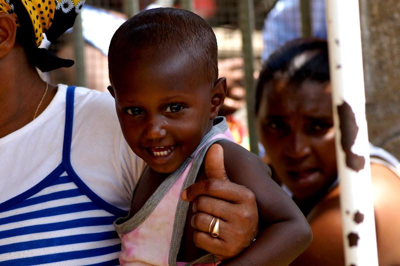 Porque não sorris à vida menino negro?
