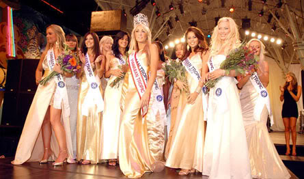 Hawaiian Tropic celebrated it's 25th year in the bikini biz  #bikini girl:celebrities,bikini girl