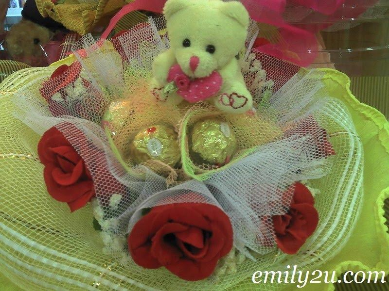 bear chocolate bouquet