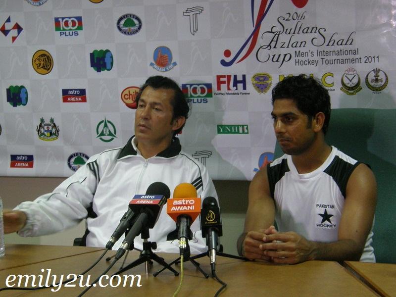Pakistan Manager KM Junaid and M. Imran