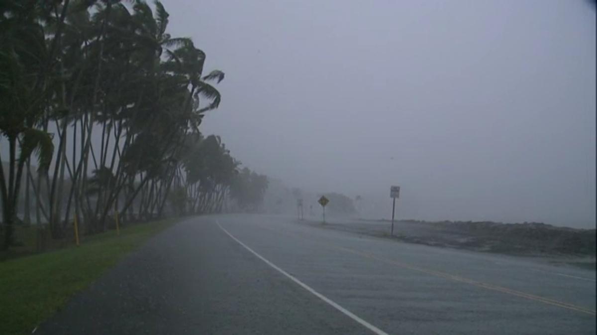 hilo-bayfront-highway-rain.jpg