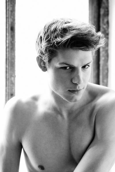 Ryan Koning @ Soul by Greg Vaughan, April 2011
