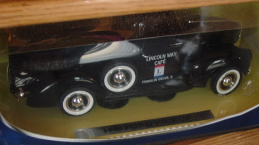 * 4 IL Meet'n'Greets...2011...Dwight.FG.Elgin.Volo * 205_MayMadnessMnG_05212011_LincolnWayCafeDieCast