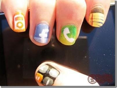 Kuku dengan lambang dari sosial media seperti facebook, twitter, dll??